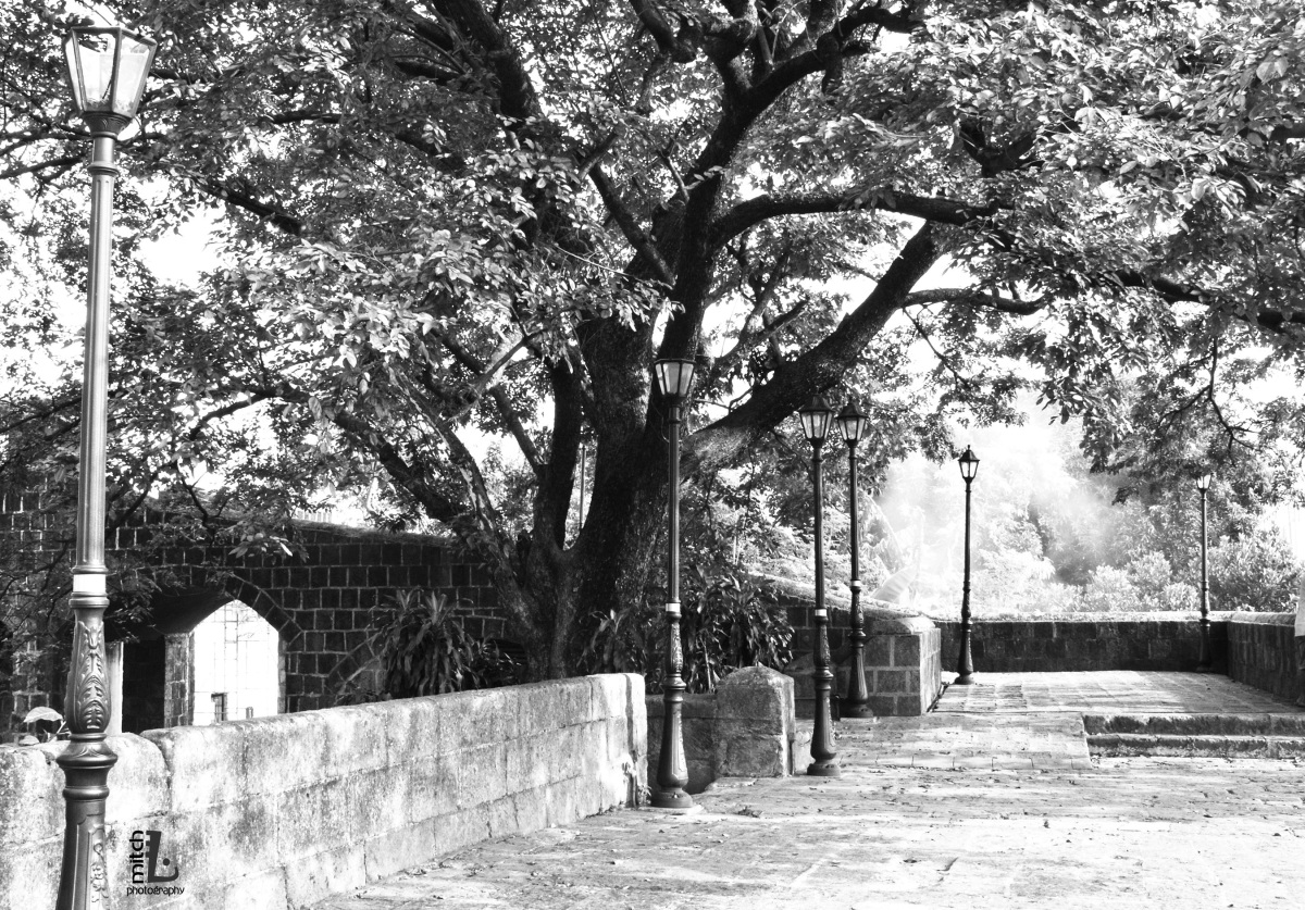 The walls along the left side wing of Intramuros