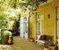 mediterranean-garden-design-ideas-500x427